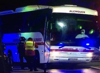Refugiados recusam-se a sair do Autocarro dos Bombeiros Voluntários de Alenquer