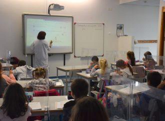 Alenquer investe em cortinas de proteção vertical nas escolas do 1.o ciclo do ensino básico