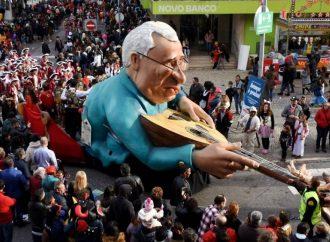 Carnaval de Torres sai das ruas, mas vai a casa