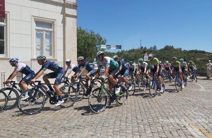 Pelotão da Volta a Portugal passou por Alenquer